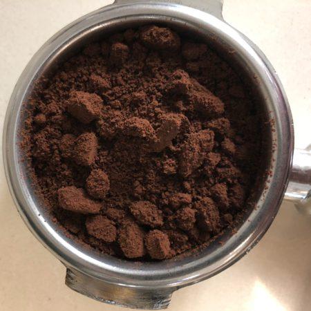 Комкование кофе при намалывании зерна